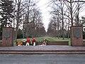 Mahnmal für die KZ Opfer - Seelhorster Friedhof - panoramio.jpg