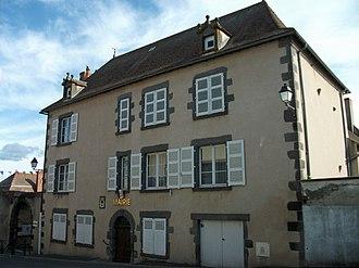 Artonne - Town hall