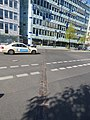 Marca en el piso donde se encontraba el 'muro de Berlín' en Potsdamer Platz 02.jpg
