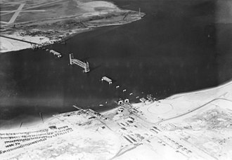 Jacob Riis Park - The construction of the Marine Parkway Bridge, Riis Park (bottom right), and Fort Tilden (bottom left) in 1937. The ferry landings at Riis Park/Fort Tilden and Floyd Bennett Field are also present