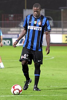 Balotelli con la maglia dell'Inter nel 2009