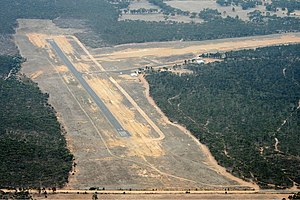 Maryborough Airport (Victoria) overview Vabre.jpg