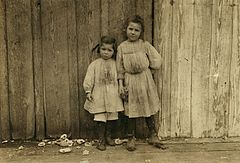 Maud Daly, five years old. Grace Daly, three years old.jpg