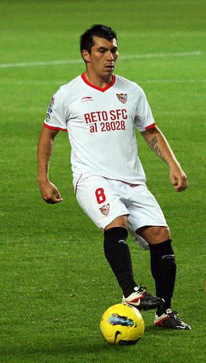 Gary Medel - Medel playing for Sevilla in 2011.