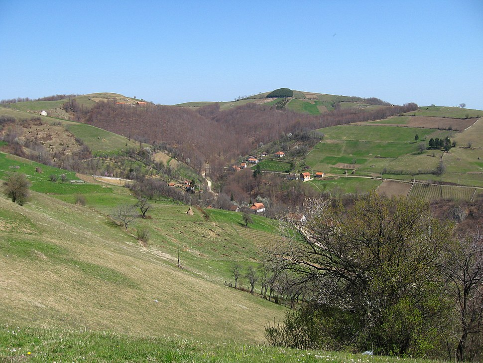 Medvednik - zapadna Srbija - selo Rebelj - panorama sela 2