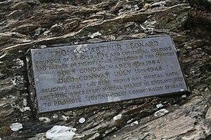 Cat Bells - Memorial plaque to T. A. Leonard at Cat Bells