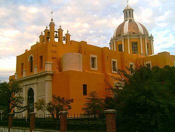 Mexico-nuevo-leon-montemorelos-iglesia