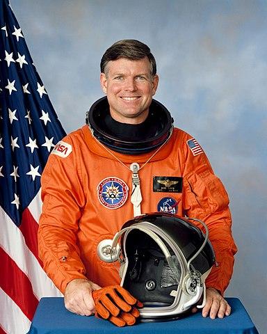 Astronaut Michael Coats, NASA photo Source: Wikipedia (www.jsc.nasa.gov unavailable January 2019) 384px-MichaelCoats.jpg