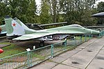 Mikoyan-Gurevich MiG-29 (9.12) '02 red' (38185216224).jpg