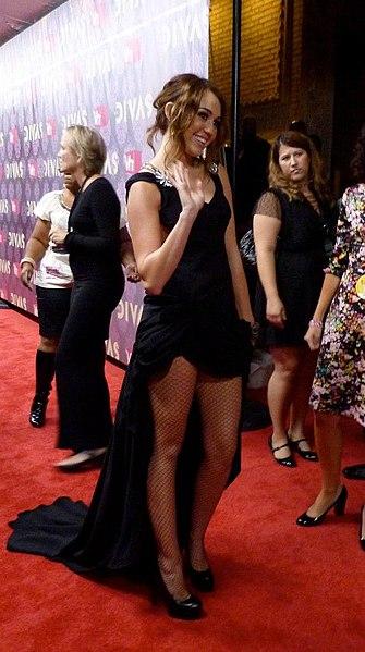 File:Miley Cyrus 2009 VH1 Divas 2.jpg