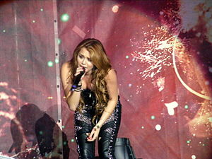 "7 Things - Cyrus performing ""7 Things"" during the Gypsy Heart Tour"