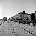 Missouri Pacific, Diesel Electric Road Switchers Nos. 708 and 730 (20282168533).jpg
