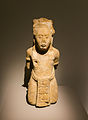 """Monument 151 de Tonina, prisonnier, exposition """"Mayas"""", Musée du Quai Branly, Paris.jpg"""