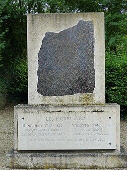 Monument aux frères Haüy à Saint-Just-en-Chaussée