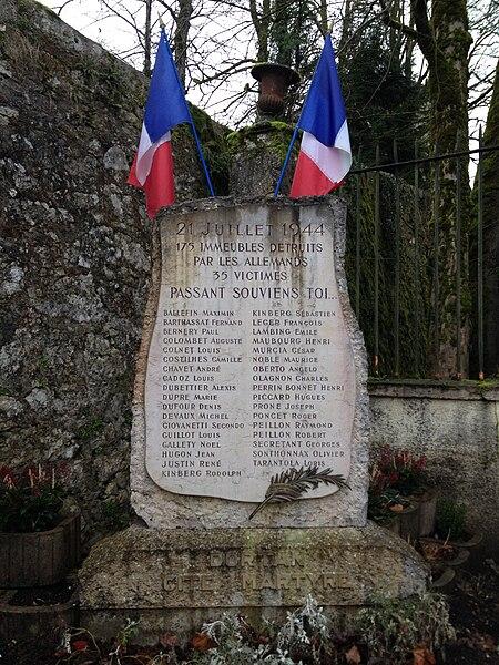 Monument du martyr à Dortan.