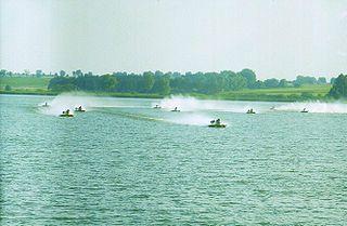 Hydroplane racing