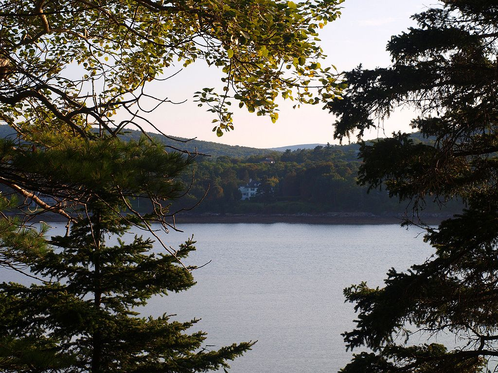 mount desert Mount desert island is home to acadia national park and north america's premier marathon, half, relay, and kids run hosted by crow athletics home.