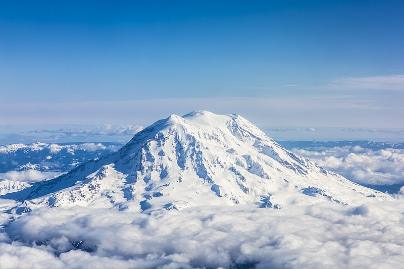File:Mount Rainier from 30,000 feet.jpg