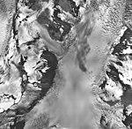 Muir Glacier, tidewater glacier, hanging glaciers, and firn line, September 17, 1966 (GLACIERS 5695).jpg