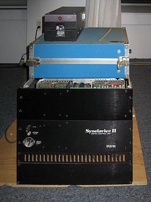 Synclavier - Synclavier II and floppy disc drive