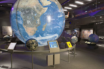 Naturalis Biodiversity Center - Museum - Exhibition Earth 08 - Huge globe with Africa showing, overview.jpg
