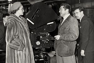 Vincent Sherman - On set of The Hasty Heart (1949), L-R: Patricia Neal, Vincent Sherman and Wilkie Cooper (cinematographer)