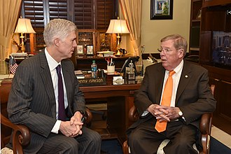 Johnny Isakson - Isakson with Neil Gorsuch in 2017