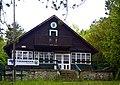 Niederösterreich Muggendorf Auf dem Hals Schneerosenhaus (280513).jpg