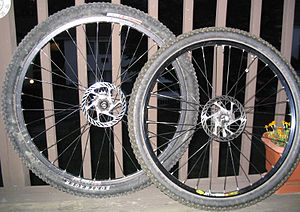 "29er (bicycle) - 29"" and 26"" mountain bike wheels"