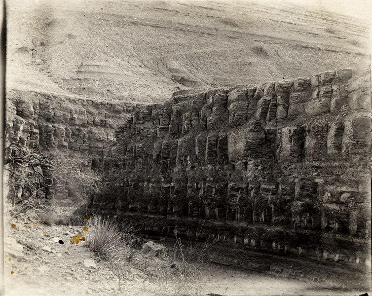 File:Niobrara shales near Arapaho glacier, Colorado, 1904.tif
