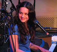 Norah Jones na koncertu, 2007.