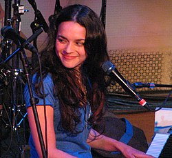 Norah Jones koncertje a Bright Eyesal, 2007 májusában