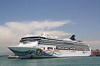 Norwegian Cruise Line Norwegian Spirit 02.JPG