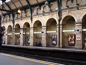 English: Notting Hill Gate Station in London E...