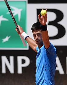 Novak Djokovic en préparation pour le masters de Rome ( mai 2015 ). c260b9a27b507