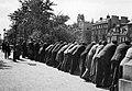 Observerende menn på Helgeandsholmen (1935) (10421913393).jpg