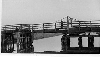 Wressle - The Loftsome toll swing bridge