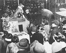 One anniversary of Hachiko 19360308 Scan10038