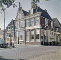 Overzicht van de voorgevels en de zijgevel van het rechter huis aan de Grote Oost - Hoorn - 20381668 - RCE.jpg