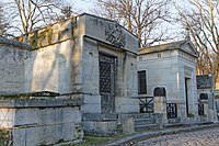 Père-Lachaise - Division 14 - Law de Lauriston 01.jpg