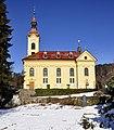 Pörtschach Kirchplatz Pfarrkirche hl. Johannes der Täufer S-Ansicht 21012012 5934.jpg