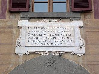 Palazzo del Collegio Puteano - Sign on the façade
