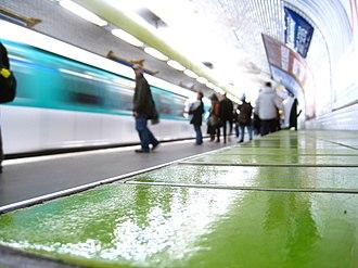 Strasbourg – Saint-Denis (Paris Métro) - Image: Paris Metro 8 Strasbourg Saint Denis