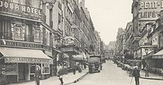 Paris Rue de Montmartre in 1925 Paris Montmartre in 1925.jpg