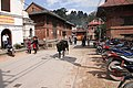 Pashupatinath-04-Haupteingang-Kuh-2015-gje.jpg