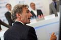 Paul Rosenmöller staat de pers te woord bij de lancering van de website U Aan Zet.jpg