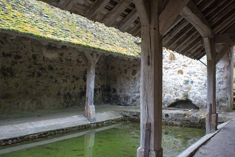 File:Perthes-en-Gatinais - Lavoir du Monceau - 2012-11-14 - IMG 8222.jpg
