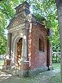 Piekary Śląskie, kaplica różańcowa IV 01.JPG