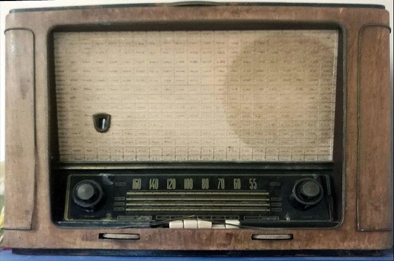 מקלט רדיו ישן