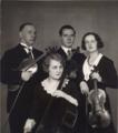 Polish quartet - Mieczysław Fliederbaum, Mieczysław Szaleski, Irena Dubiska, Zofia Adamska, 1931.png